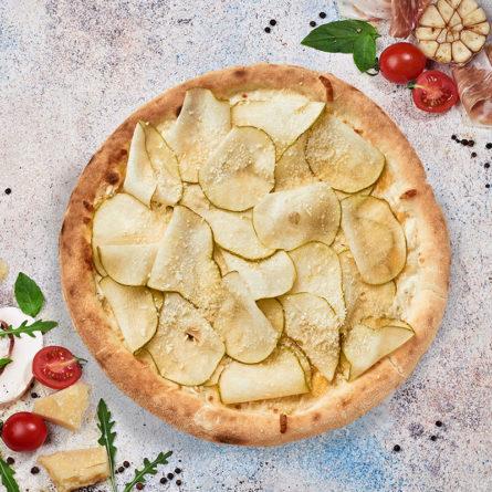 Піца Формаджіо з грушою