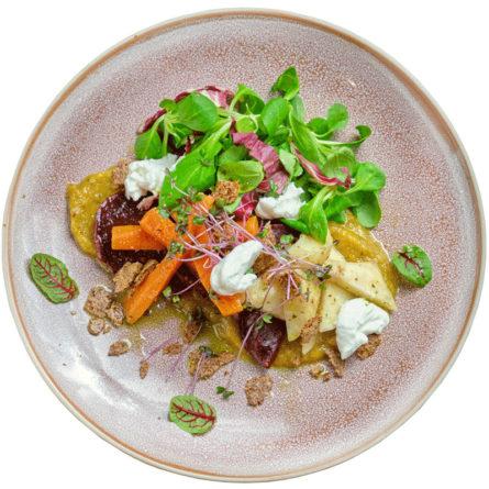 Салат кореноплодів конфі та козиного сиру шевре